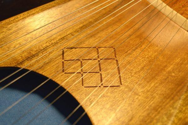 Ovangkol 11 string lyre detail